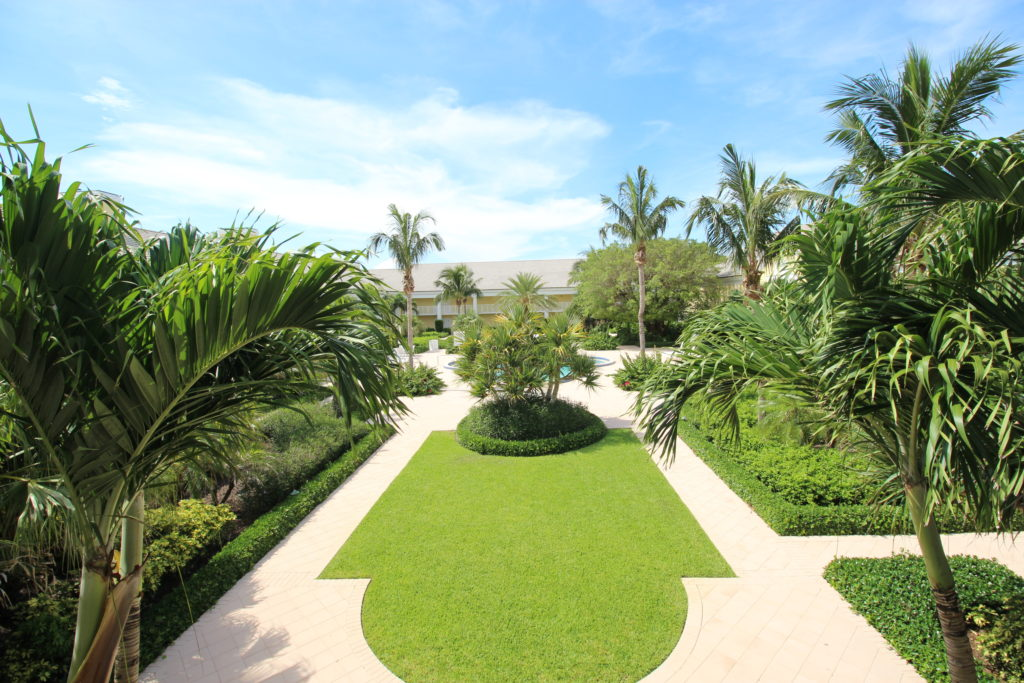 13 Courtyard View